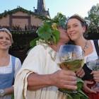 © Weinbauverband Sachsen e.V. / Foto: André Wirsig, Radebeul, mediaserver.dresden.de, Weingott Bacchus mit Weinmajestäten
